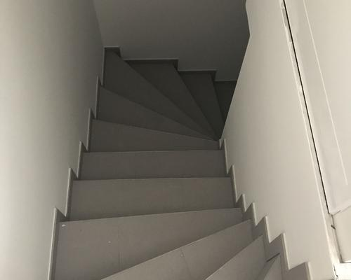 Flure und Treppenhäuser - Fliesen Reimer